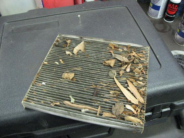 Замена старого салонного фильтра Хундай икс35